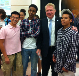 Interns_with_Mayor_Murray