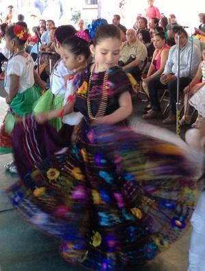Cinco de Mayo dancing girl 2
